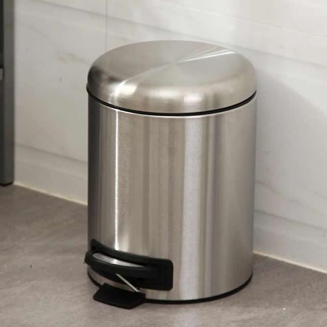 卧室小心机室内不锈钢脚踏式垃圾桶